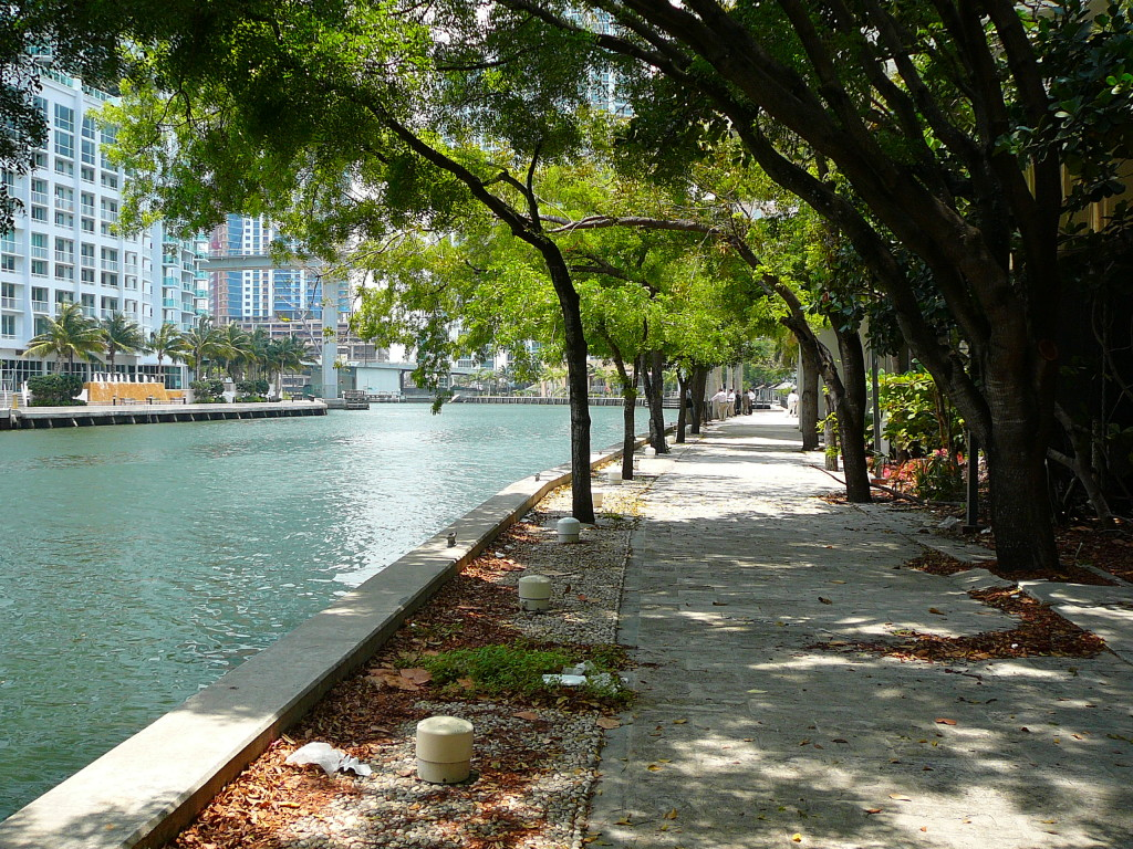 """Miami Riverwalk"". Licensed under Creative Commons Attribution 3.0 via Wikimedia Commons"